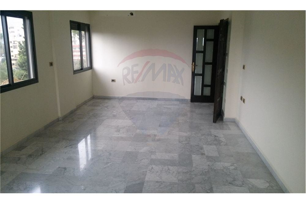 apartment 175m2 for sale in zouk Mosbeh