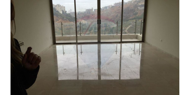 apartment 175m2 in hazmieh/mar takla