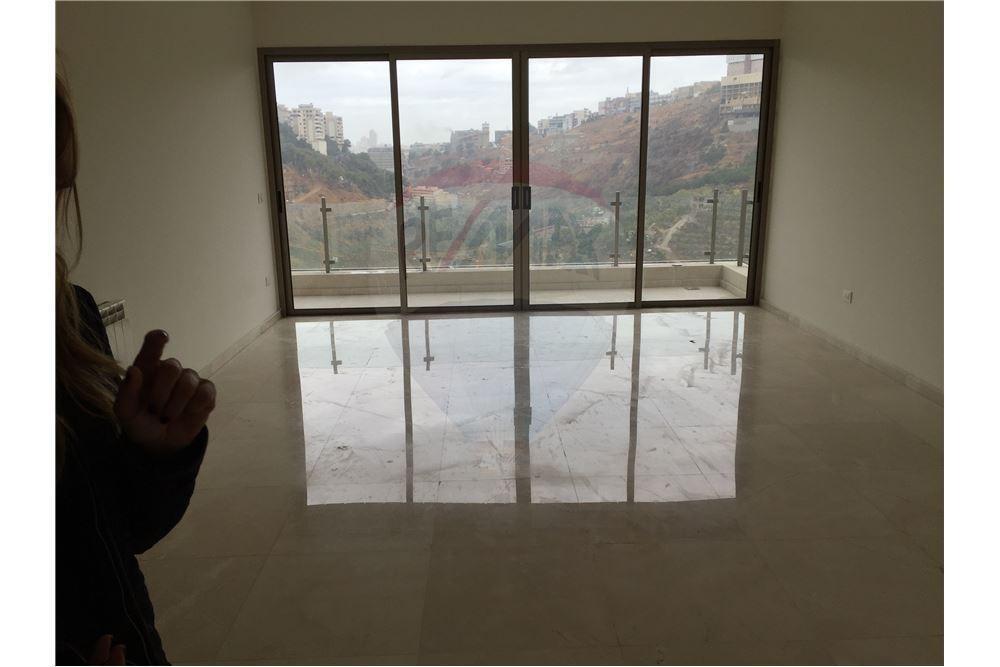 apartment 175m2 in hazmieh/mar takla