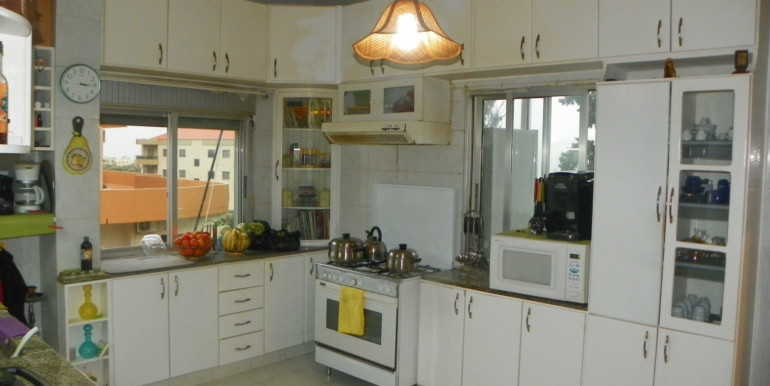 Spacious apartment for Sale in Barsa, Al Koura